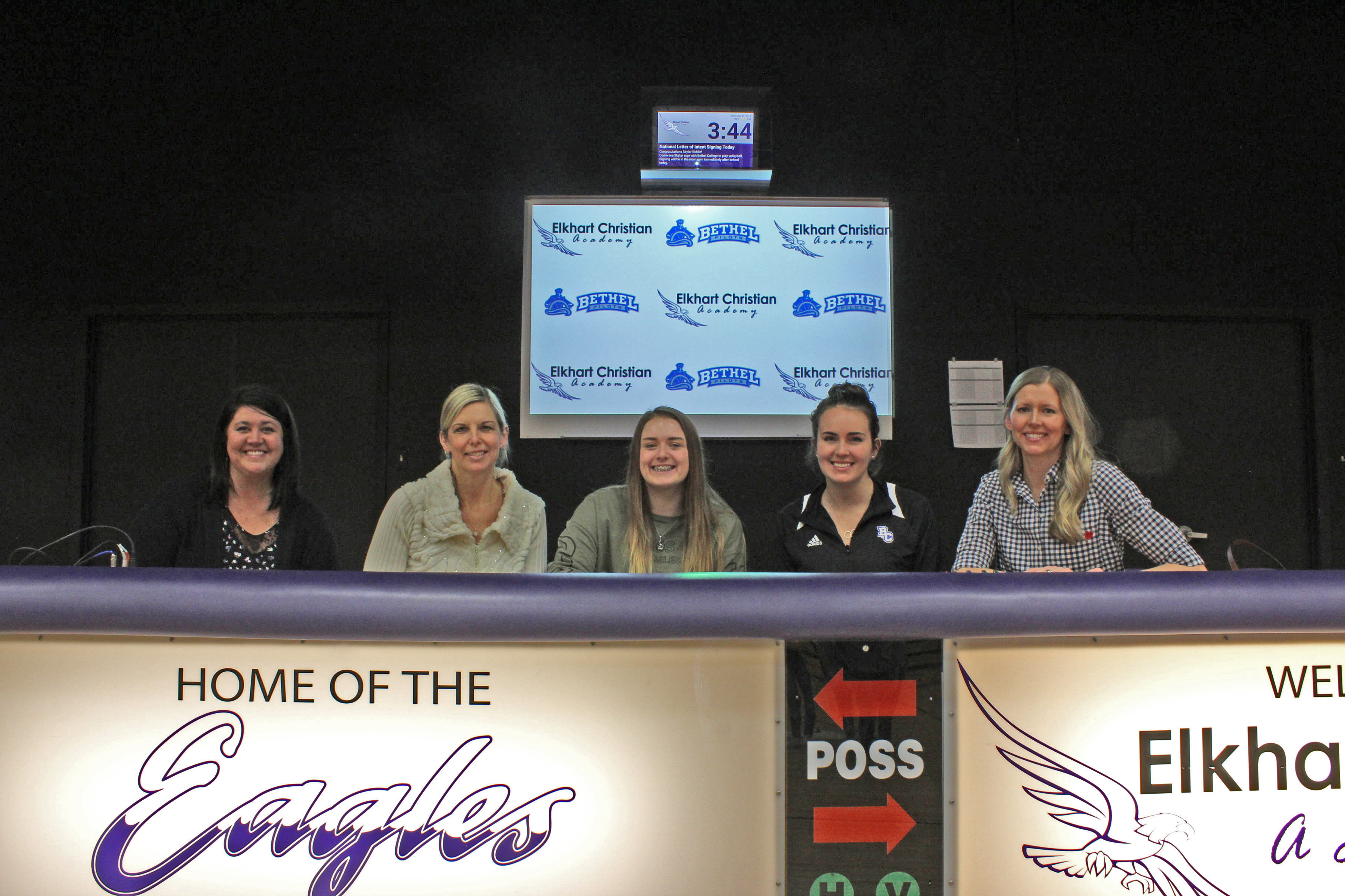 Biddle Signs with Bethel