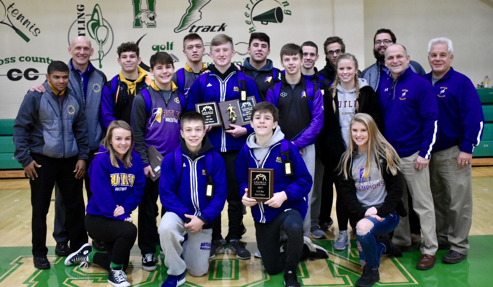 Varsity Wrestlers Finish Strong in Cincinnati Coaches Classic
