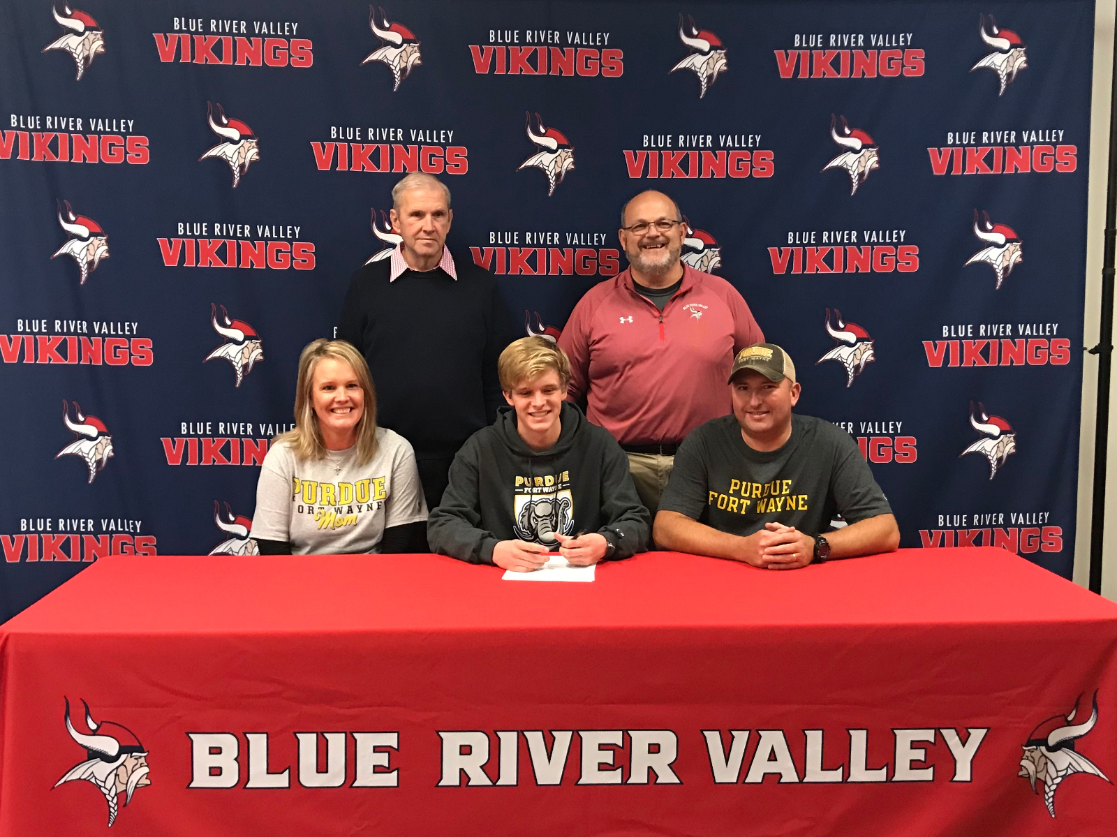 Whitinger signs with PFW