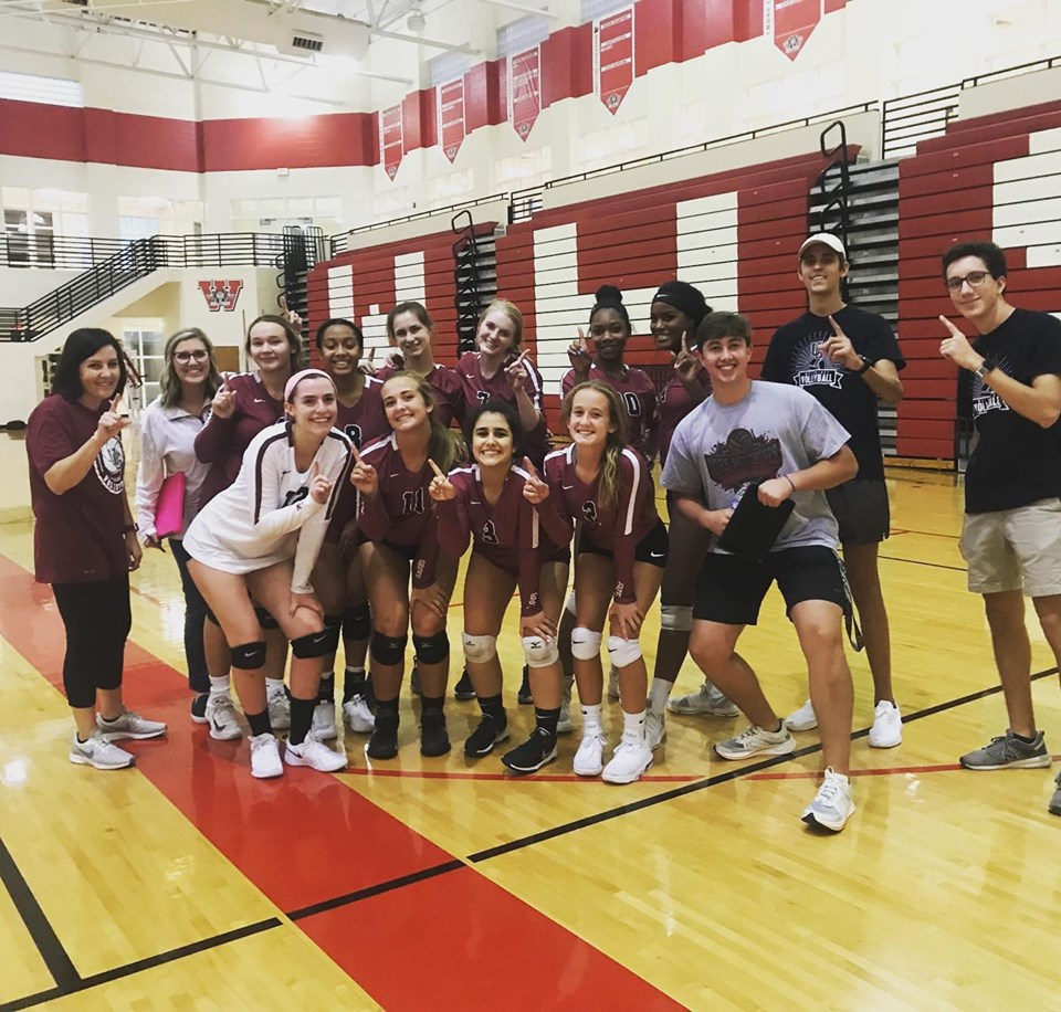 Two HUGE Region wins for UG Volleyball