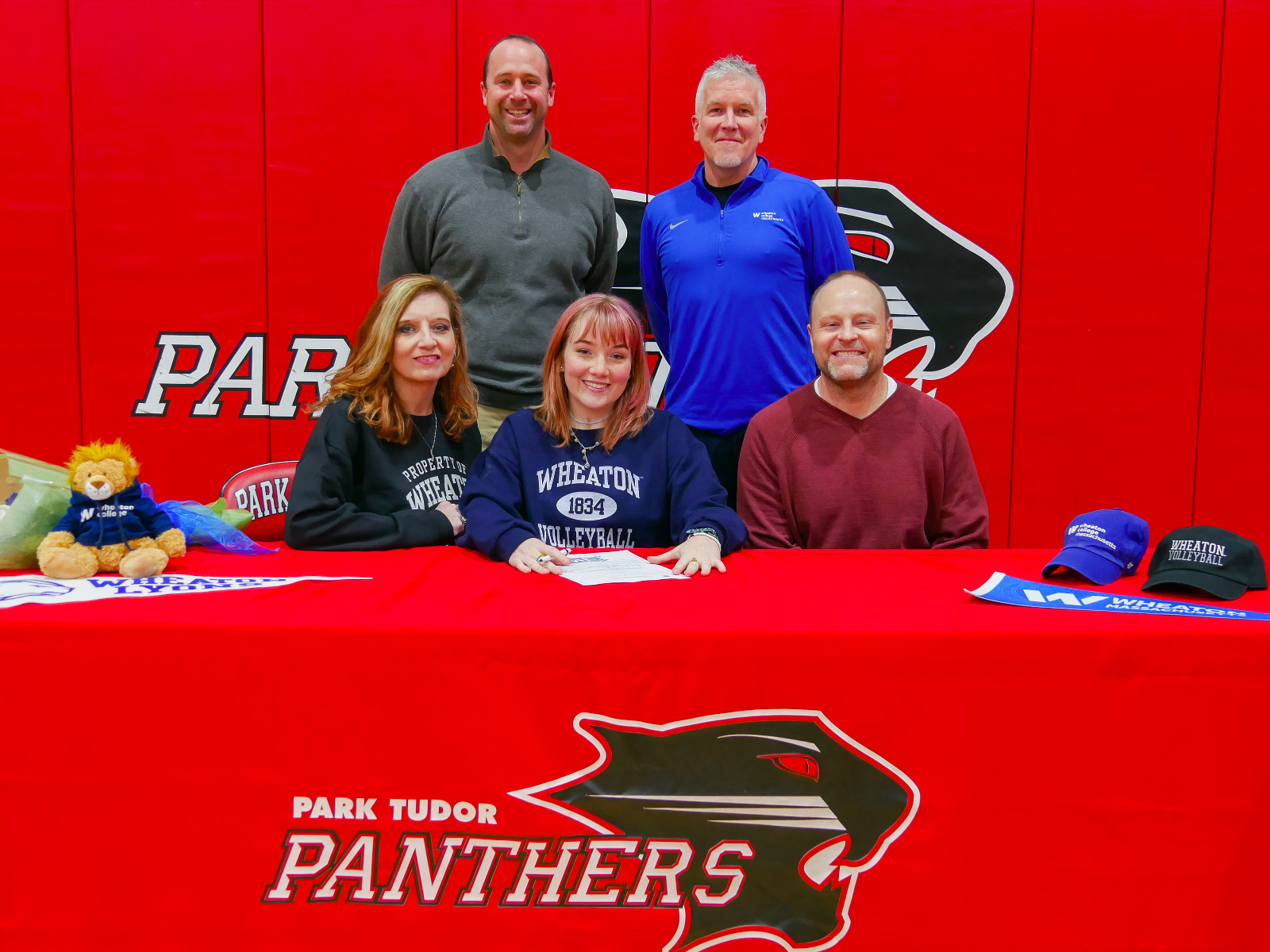 Zoë Franz '20 Commits to Play Volleyball at Wheaton College
