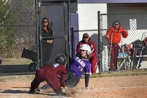 Softball defeats Renaissance HS