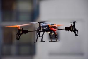 drone-674238_640