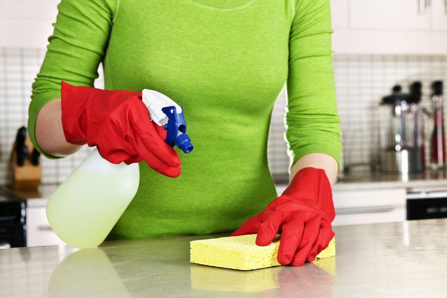 kitchen-cleaning-sprin