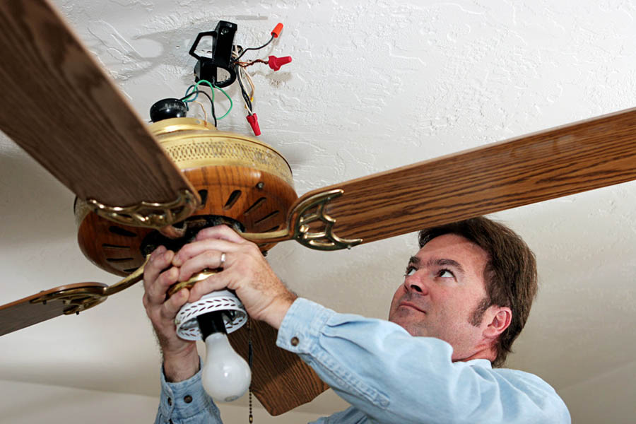 ceiling-fans-cool-the-hous
