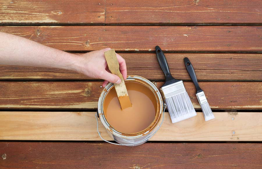 staining-your-deck