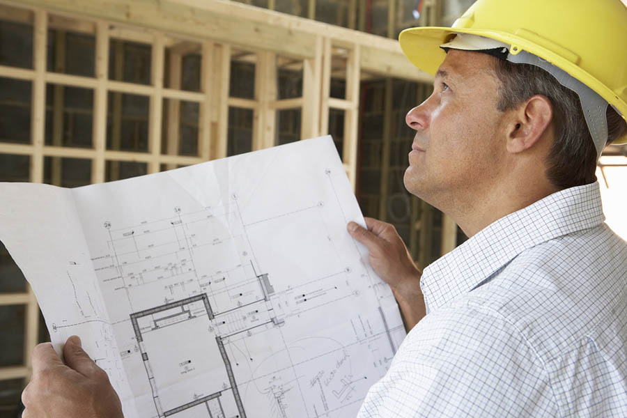 contractor-with-plans