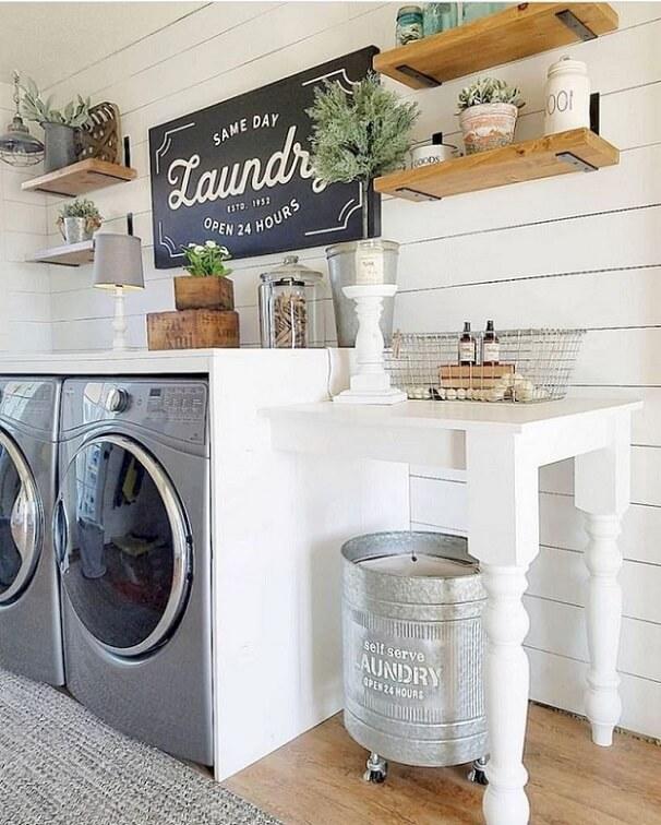 Example of farmhouse laundry room