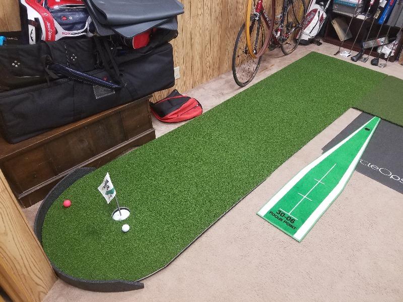 Big Moss Commander Indoor or Outdoor Patio Putting Green