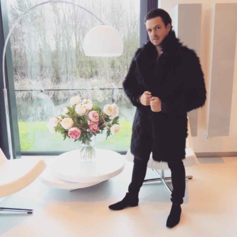 10b90cc67 Men Long Faux Fur Coat for Winter – FanFreakz