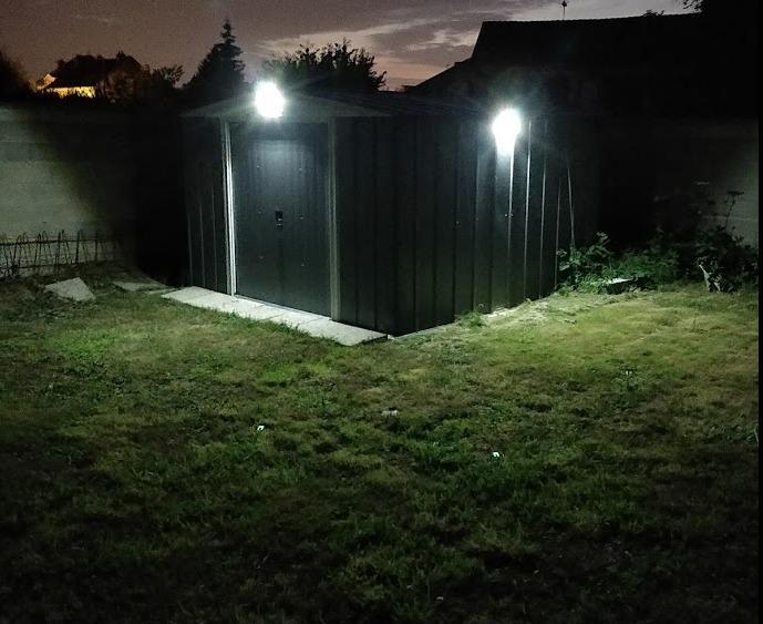 Lampe solaire pour portail avec détecteur de mouvement – Trendszy
