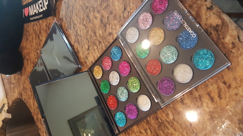 Custom Palette: 12 Shadows with Clear Lid
