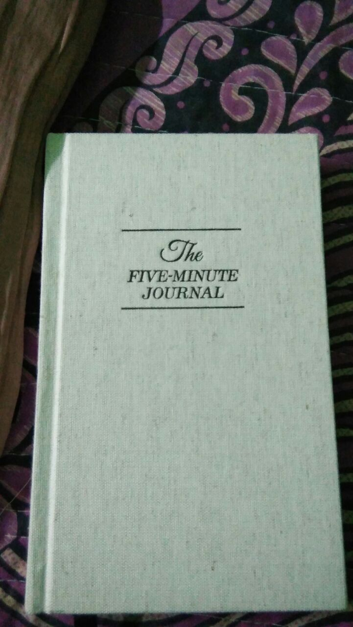 the five minute journal simplest most effective way to be happier