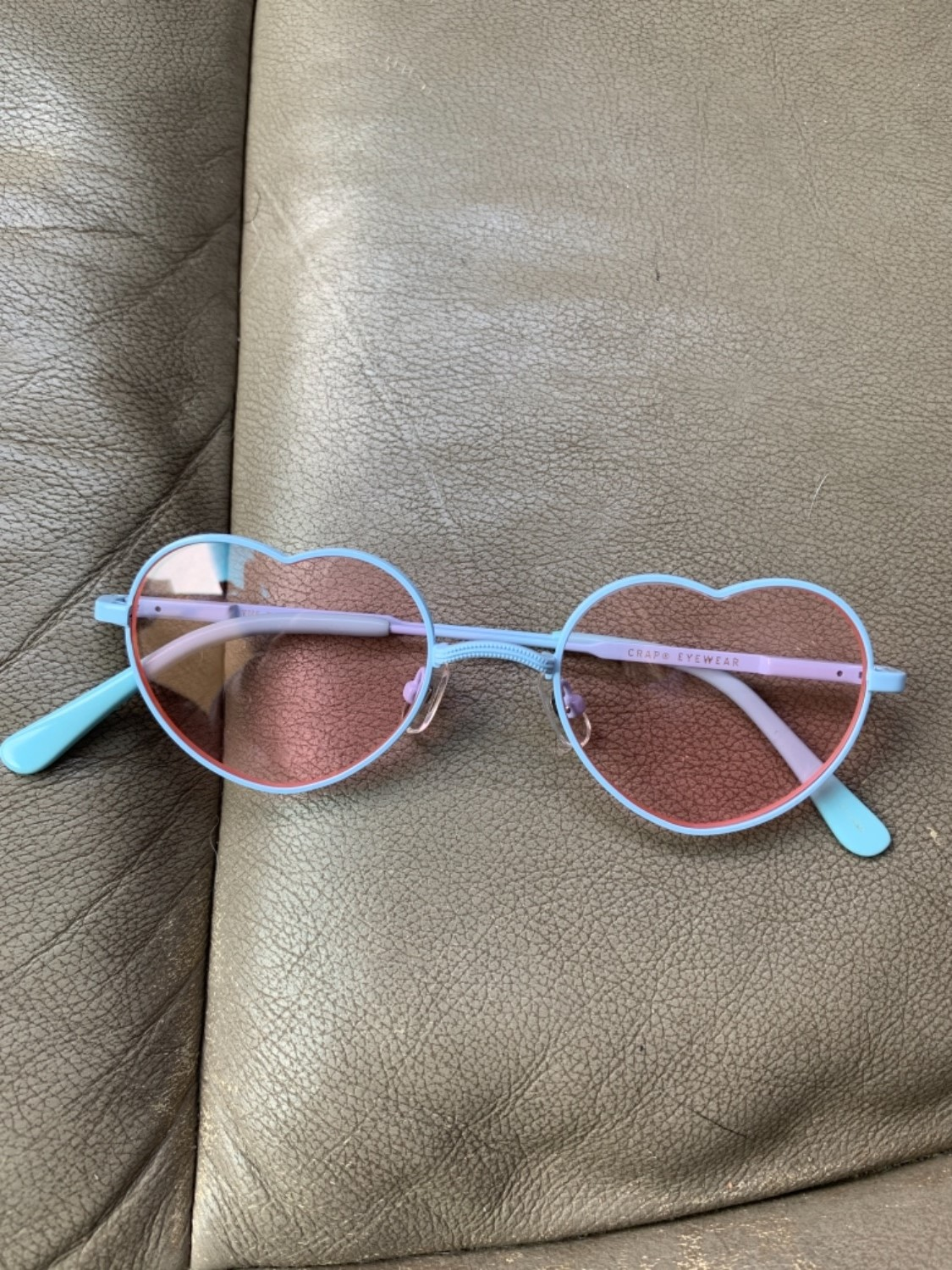 daedf96b96f These sunnies r super cute!