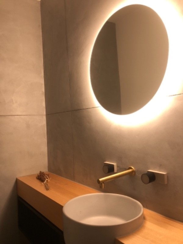 Twilight Round Bathroom Mirror With Led Light Backing Backlit Tg Shine Mirrors Australia