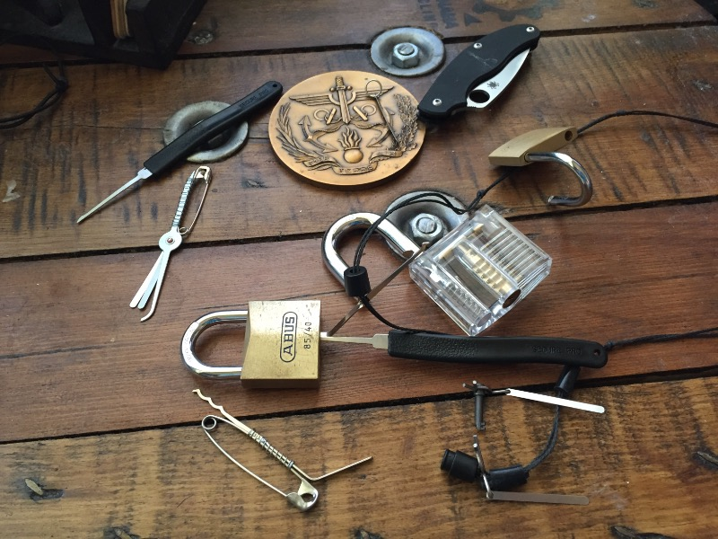 5 Everyday Items You Can Use To Pick Locks – Wonderful Image