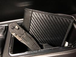 Abel S. verified customer review of Londono SS Sports Carbon Fiber Wallet