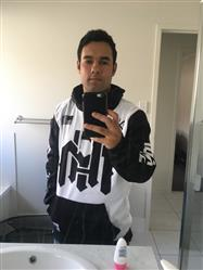 Willian p. verified customer review of Team Pullover Hoodie