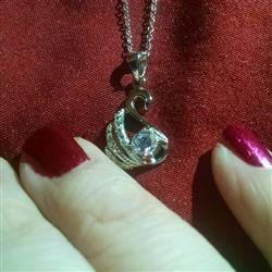 Kya S verified customer review of 1/2 ct Dainty Swan Necklace