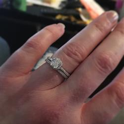 Amy C verified customer review of 1 ctw Princess Halo Wedding Set