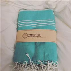 Caitlin S. verified customer review of Seafoam XL Towel