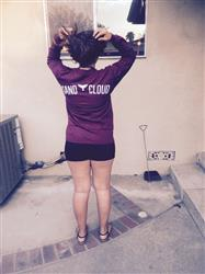 Gabriela L. verified customer review of Burgundy Whale Tail Long Sleeve