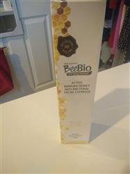 Fei M. verified customer review of 16+ Active Manuka Honey Facial Cleanser