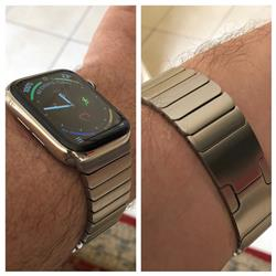 Daniel R. verified customer review of Silver Ceramic Stainless Steel Apple Watch Band