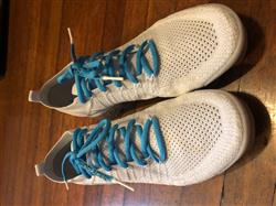 Cyrill B. verified customer review of BLUE-WHITE DIPPED SHOELACES