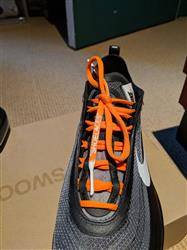 Ian M. verified customer review of NEON ORANGE-WHITE DIPPED SHOELACES