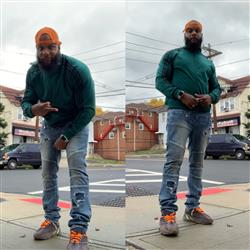 Robert L. verified customer review of NEON ORANGE-WHITE DIPPED SHOELACES
