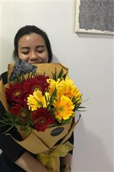 Aldo S. verified customer review of Kisses Under Sunlight Hand Bouquet
