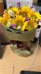 Halim H. verified customer review of Bouquet Of 6 Sunflower