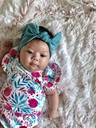 Michelle D. verified customer review of French Gray Floral Headwrap