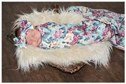 Brittany Lewis verified customer review of Floral Mint Swaddle Set