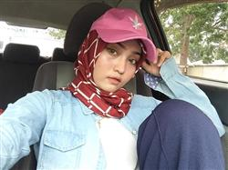 Fierara Razali verified customer review of Zahra Chiffon Square Headscarf - Day