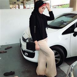 Yuna Zainal verified customer review of Sleek for Itself Pants