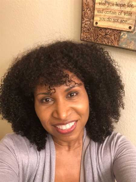 Deirdre H. verified customer review of For Kurls Queen Wig