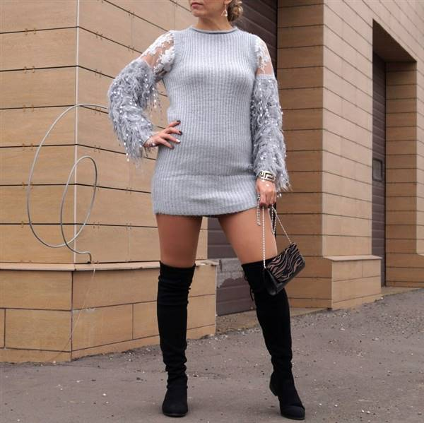 L***a verified customer review of Babe Sweater Dress