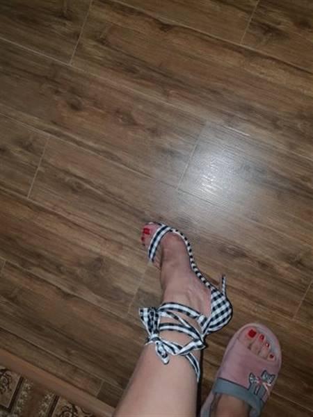 N***m verified customer review of Chaka Cross Tied Plaid High Heel Sandals