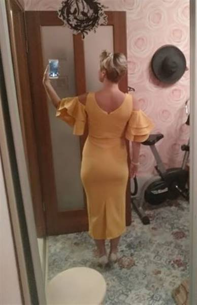 S***v verified customer review of Paint Your World Maxi Dress(All Colors)