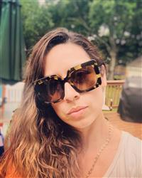Lina Z. verified customer review of SASHA - MOSS HAVANA + BROWN GRADIENT + POLARIZED