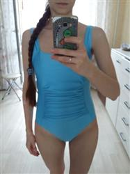 J***a verified customer review of Eriantha Center Gathered One Piece Swimwear