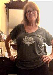 Carol G. verified customer review of Lotus Henna Tee