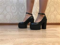Nicolle Coggins verified customer review of High Casual Platform Shoes