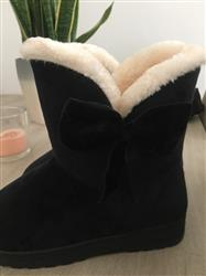 Marilyn Williams verified customer review of Comfortable Cotton Winter Boots