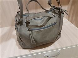 Wendy Watson verified customer review of Nubuck Leather Messenger Bag