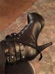 Julia Hendricks verified customer review of Double Buckle Gothic Boots