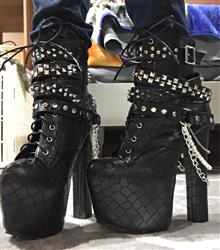 Patricia Monsour verified customer review of Zip Metal Chains Gothic Boots