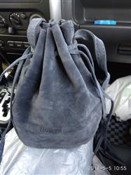 Tiffany Nicholson verified customer review of Stylish Bucket Bag